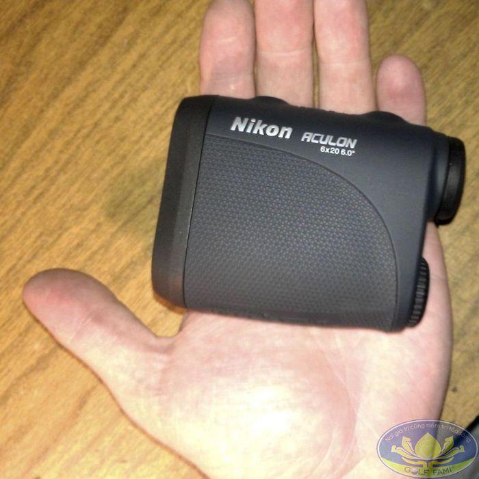 Ống nhòm đo khoảng cách Nikon Aculon AL11 cầm vừa vặn tay