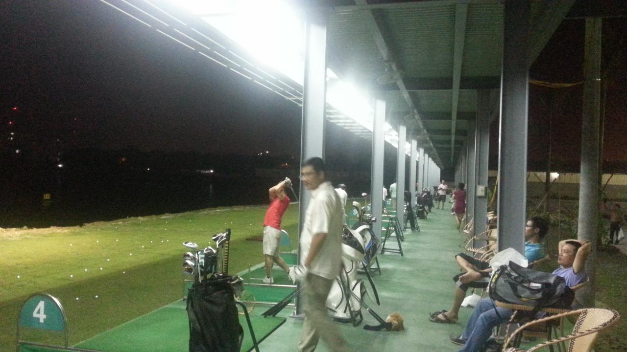 Sân golf 88 Lê Văn Lương