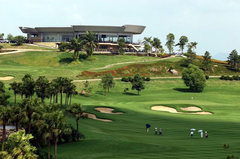 Tòa nhà câu lạc bô của sân golf Chi Linh star