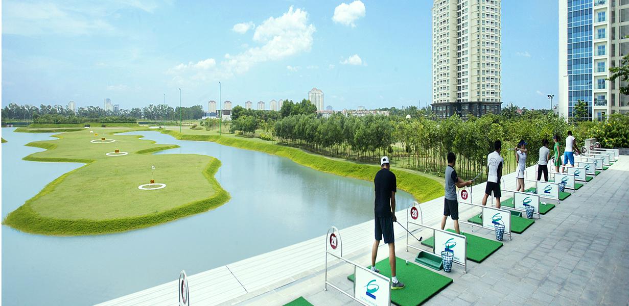 Làn tập tại sân tập Golf Ciputra