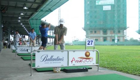 Các làn tập tại sân tập golf Asian