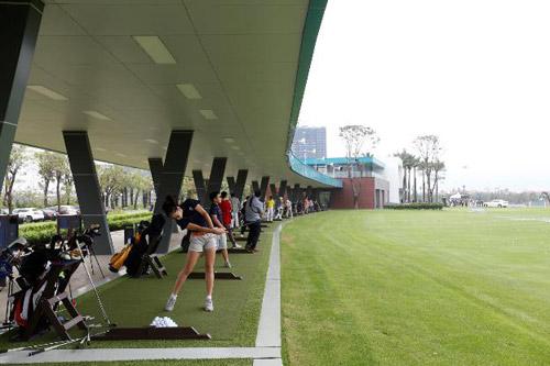 Các làn tập tại học viện Golf Ecopark