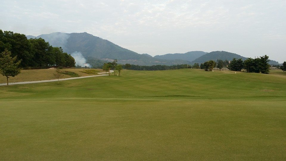 Quang cảnh sân golf Hà Nội