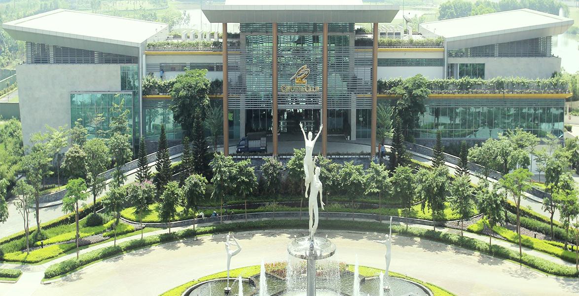 Tòa nhà chính sân tập Golf Ciputra