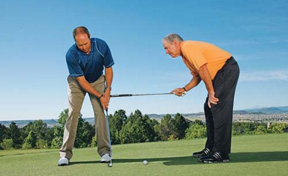Gạt bóng - Kỹ thuật tập golf cơ bản cho người mới
