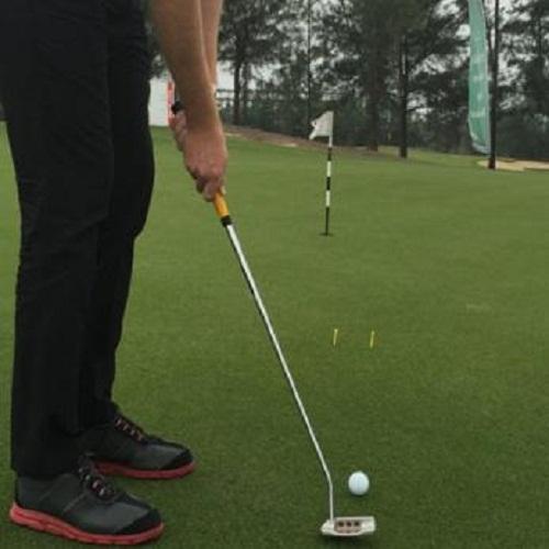 Bật mí kỹ thuật gạt bóng golf hiệu quả đơn giản
