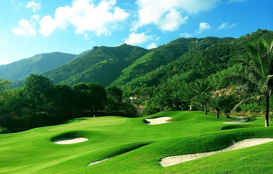 Một góc của sân tập golf Dimond Bay