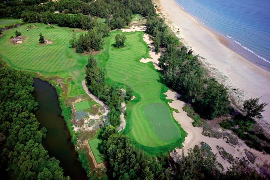 Sân Golf Laguna Lăng Cô nhìn từ trên cao