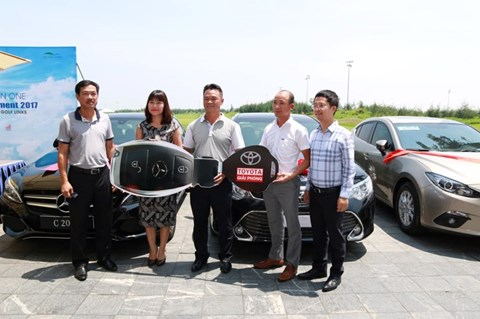 Trao giải cho Golfer Nguyễn Văn Quế