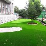 Sân vườn đẹp đẳng cấp hơn với sân golf mini