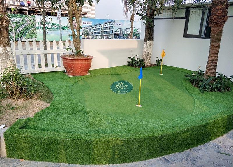 mini golf trong vườn