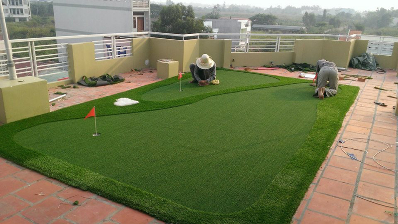 thi công mini golf sân thượng