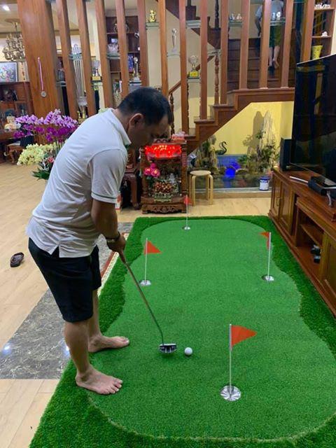 thảm golf mini trong nhà