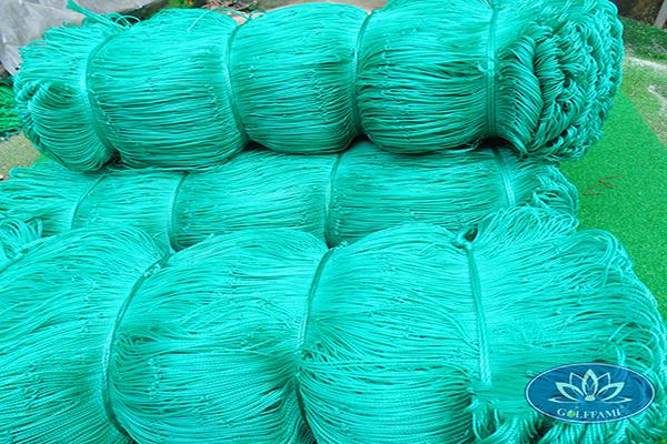 Cuộn lưới bóng đá HDPE màu xanh ngọc