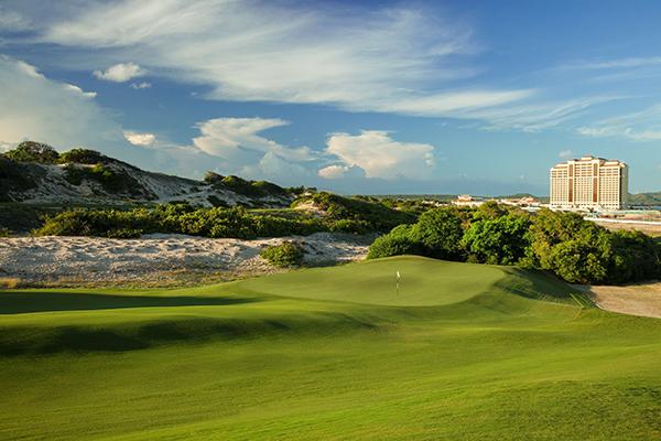 Một góc thơ mộng tại sân golf the bluffs Hồ Tràm Strip