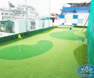 Sân golf mini tầng thượng của công ty 389 Group