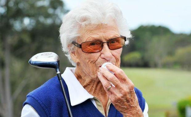 Cụ bà Elsie Mclean - người đánh cú Hole in one cao tuổi nhất