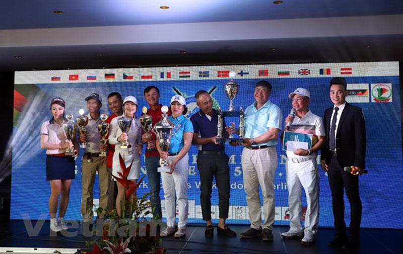 Giải golf EVGA Tour Championship