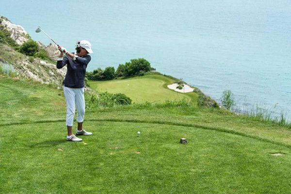 Điều cần thiết thay đổi để phái đẹp đến với golf