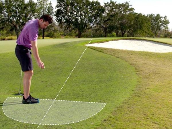 Phải làm sao khi bóng golf mắc kẹt ở Bunker
