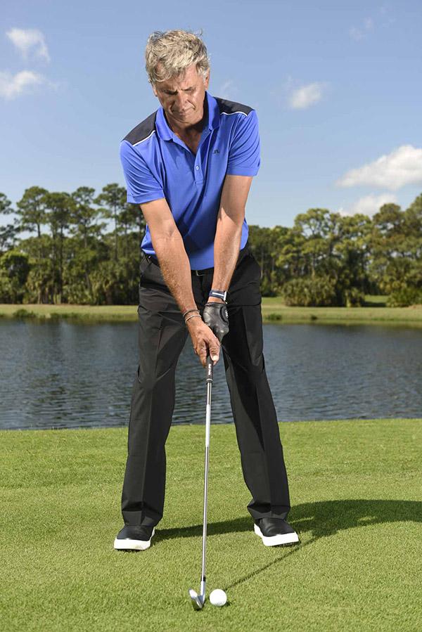 Tư thế setup thiếu nhất quán khiến vòng golf của bạn thiếu ổn định