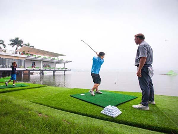 sân tập golf legend hill